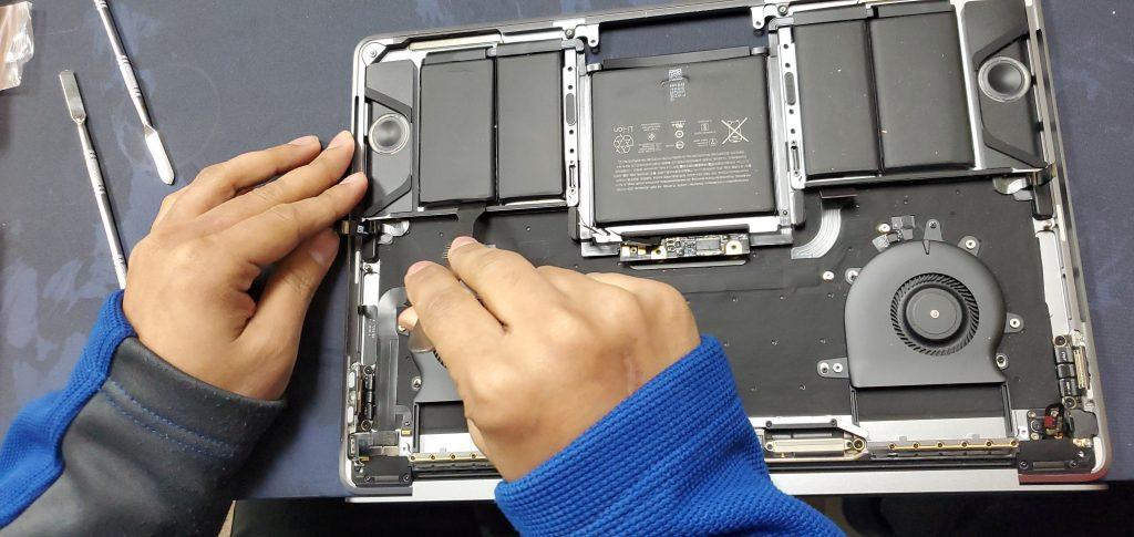 macbook pro A1706 batter service ifixdallas plano certified geek