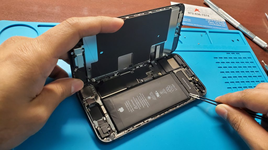 Iphone 8 battery replacement in ifixdallas plano