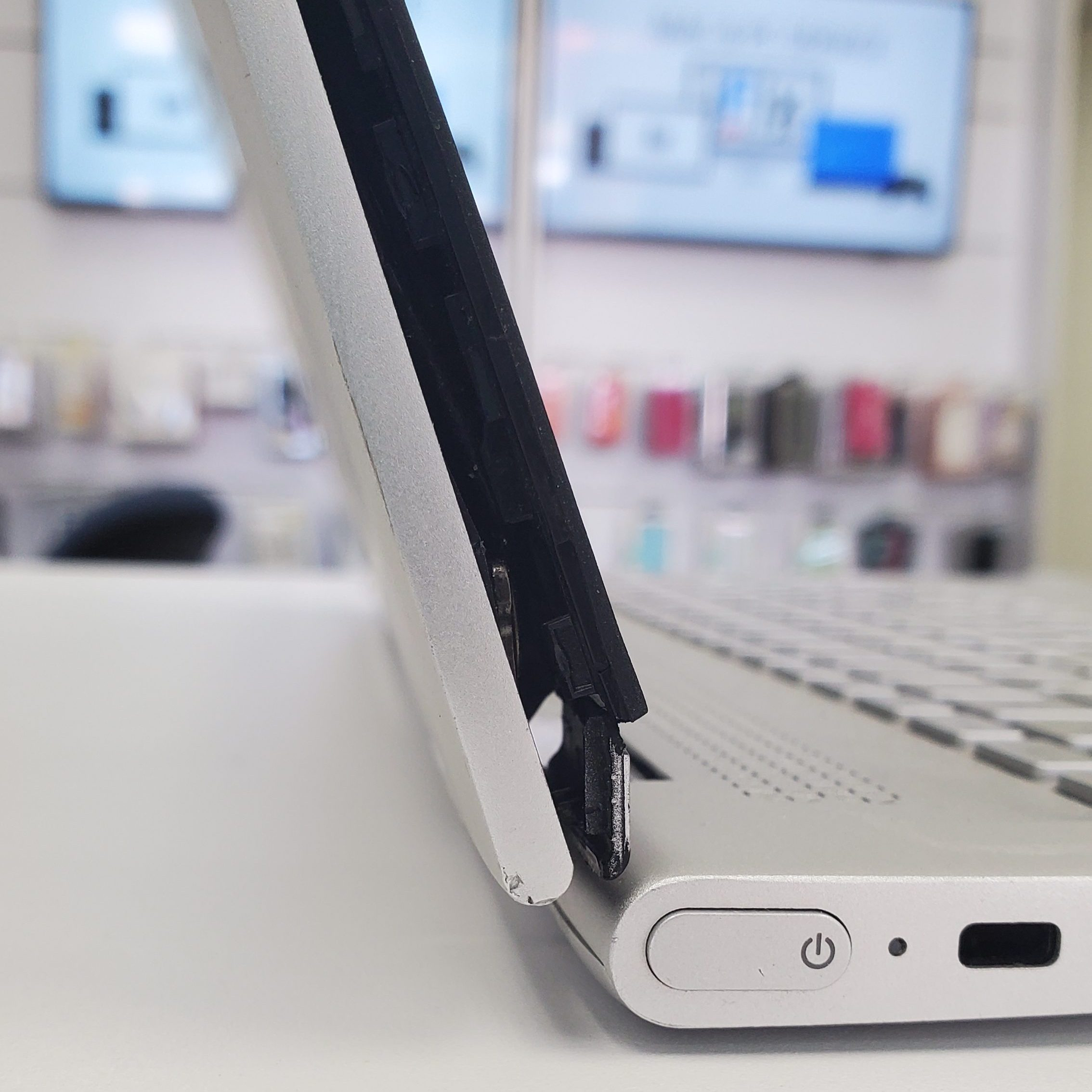 laptop-hinge-repair